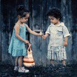 Mengajarkan Empati bisa menjadi solusi dari tantangan-tantangan tersulit kita.